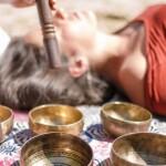 Вибрационно-акустический массаж тибетскими чашами